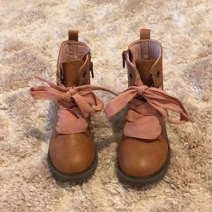 Faux leather toddler boots!